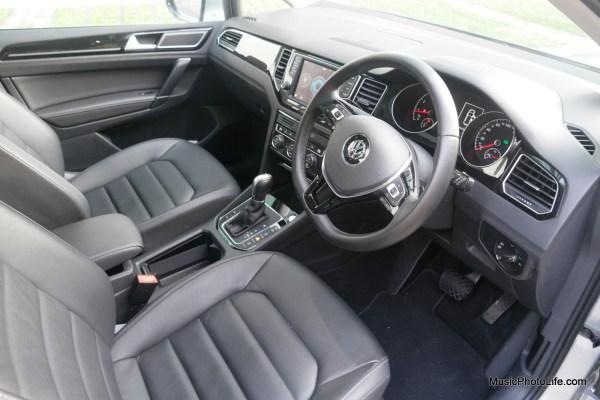Volkswagen Sportsvan front seats