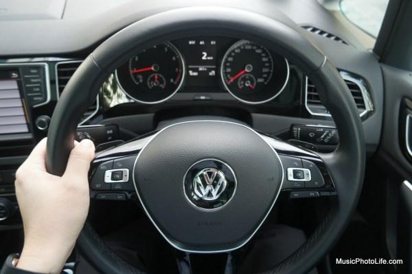 Volkswagen Sportsvan steering wheel