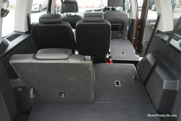 Volkswagen Touran features independent rear folding seats