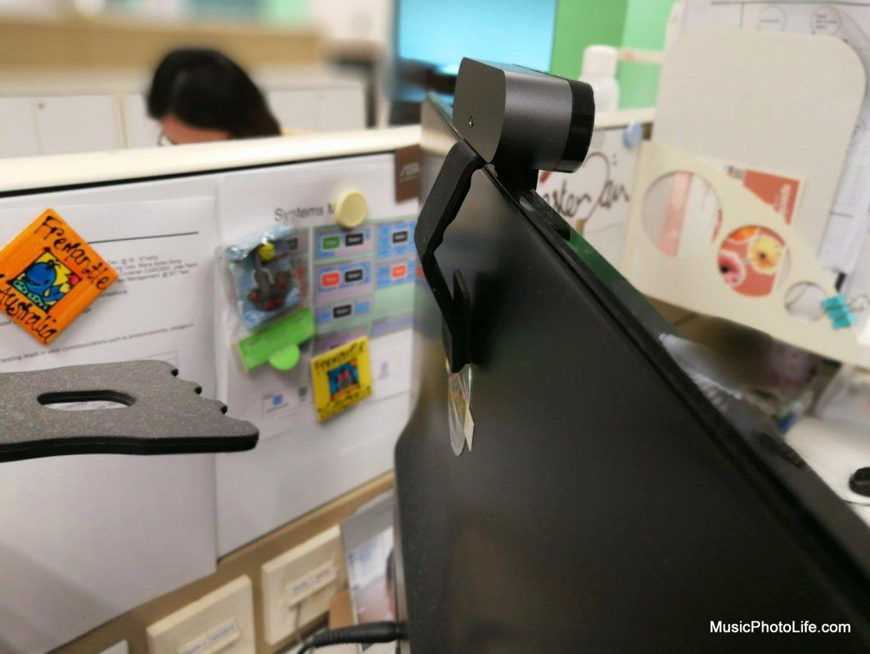 Logitech BRIO mounts comfortably on monitor