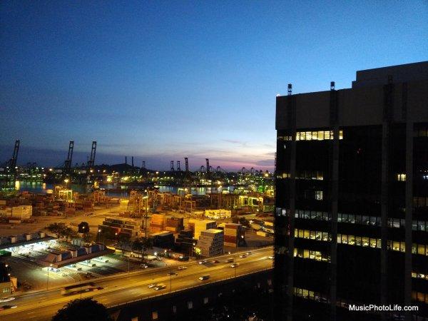 BlackBerry KEYone night shot HDR at Fabrika