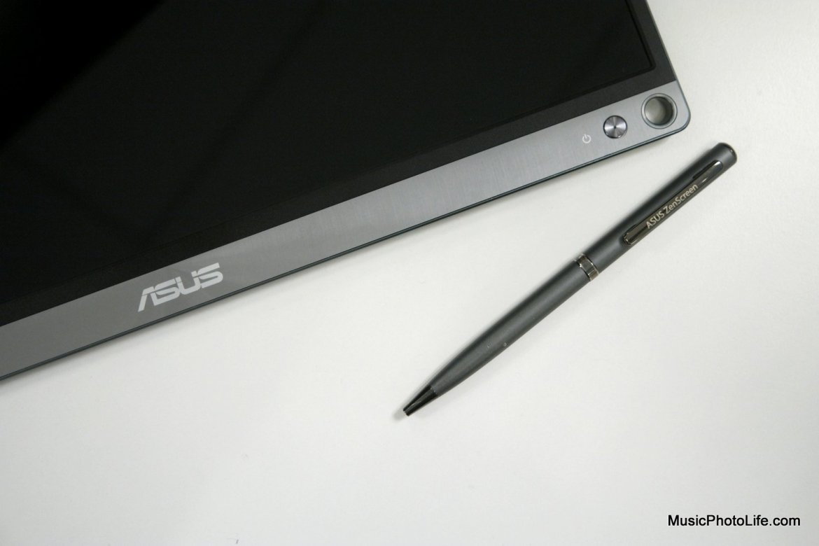 ASUS ZenScreen MB16AC portable USB monitor and ZenScreen pen