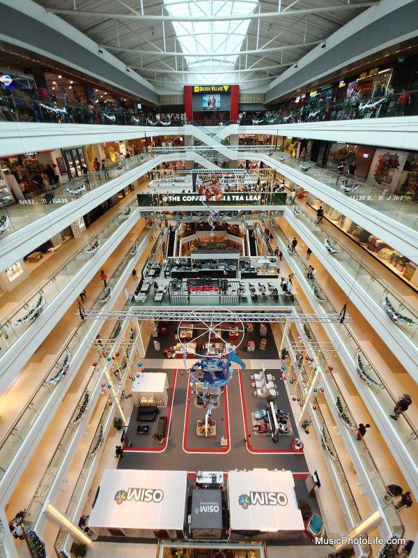 LG V30+ sample image - Plaza Singapura
