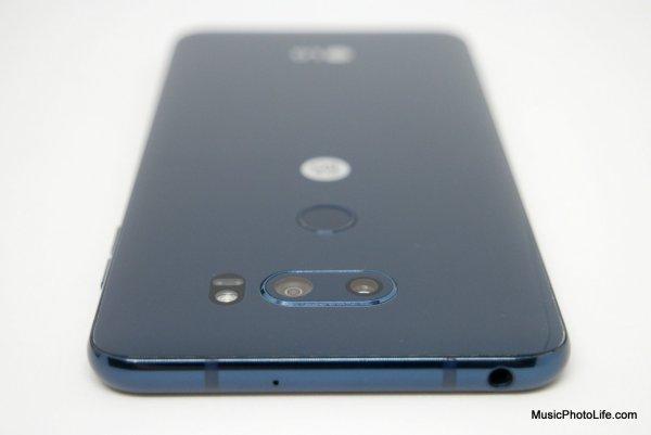 LG V30+ dual camera detail view