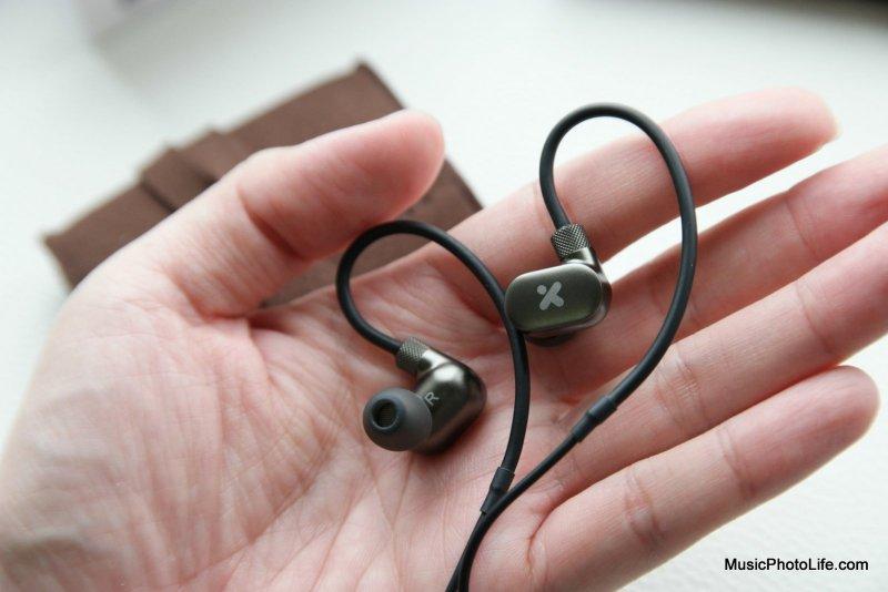 X-mini XTLAS+ earphones review by musicphotolife.com, Singapore tech gadget blogger