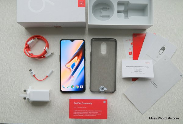 OnePlus 6T unboxing review by musicphotolife.com, Singapore consumer tech gadget blogger