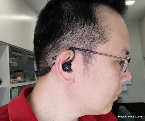 Alpha & Delta D2W wireless sports earphones review by musicphotolife.com, Singapore consumer audio product blogger