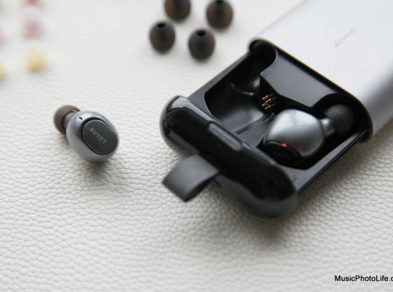 AVIOT TE-D01b true wireless earphones by musicphotolife, Singapore headphones review