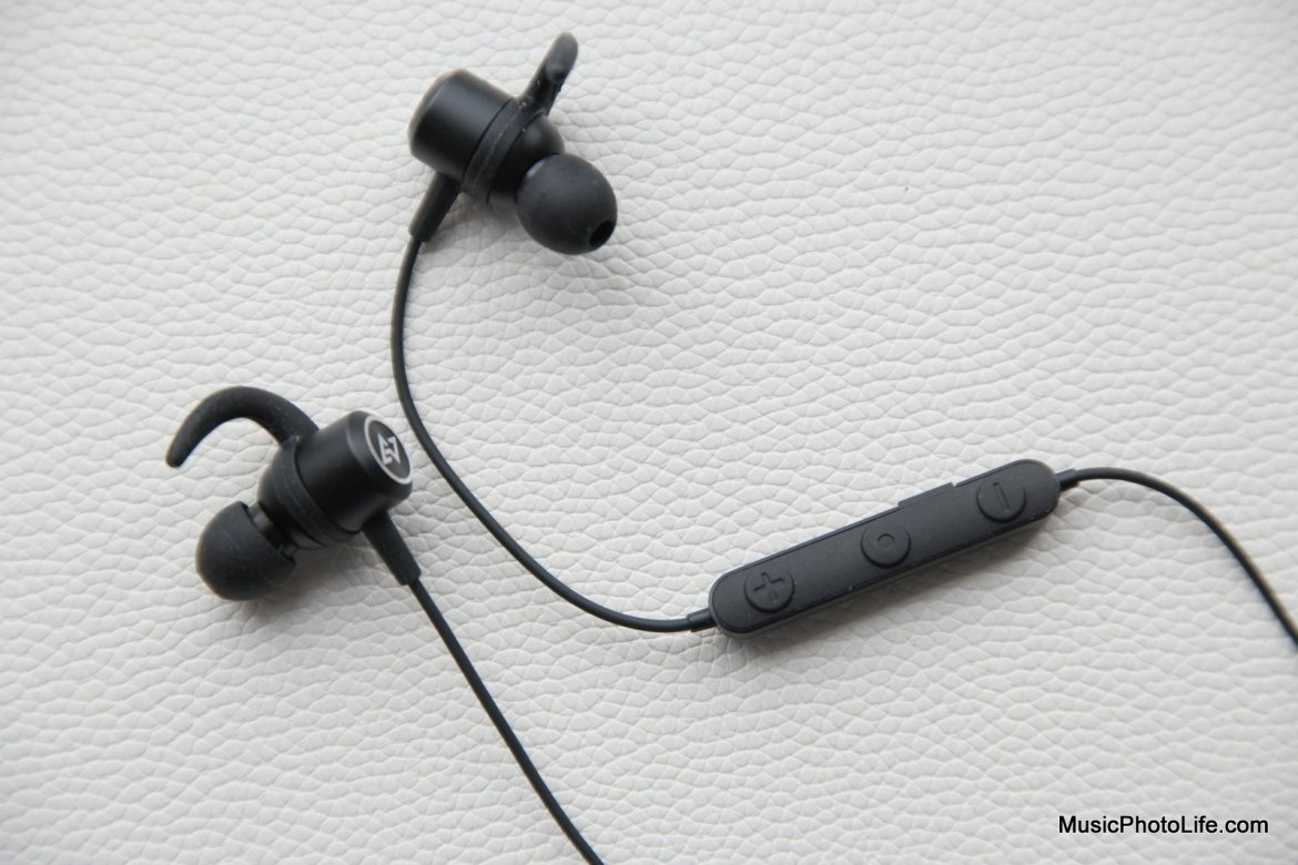 AVIOT WE-D01c wireless earphones review by musicphotolife.com, Singapore headphones review site
