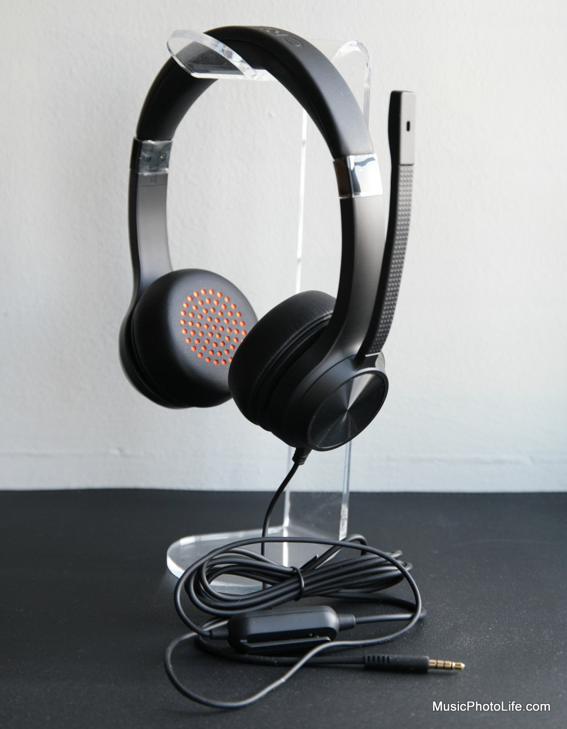 Creative Chat, 3.5mm headset review by Music Photo Life, Singapore tech blog