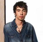 Curb Records Adds Mo Pitney to Roster
