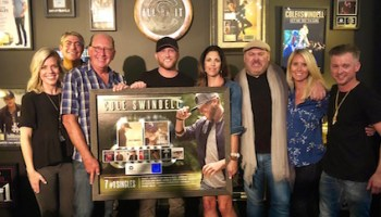 Cole Swindell Celebrates New Album With Acoustic Preview :