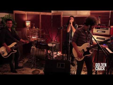 Golden Crack – Over and Over 'LIVE SESSION'