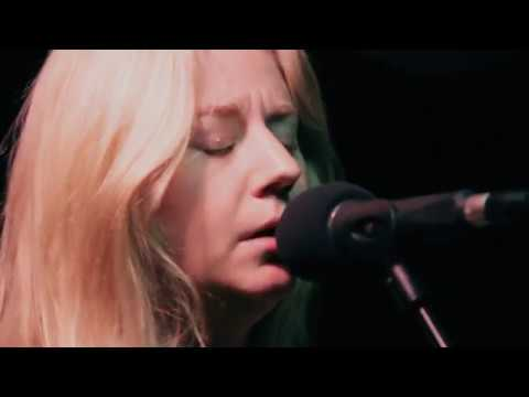 Joanne Shaw Taylor – Wild Is The Wind (Planet Rock Live Session)