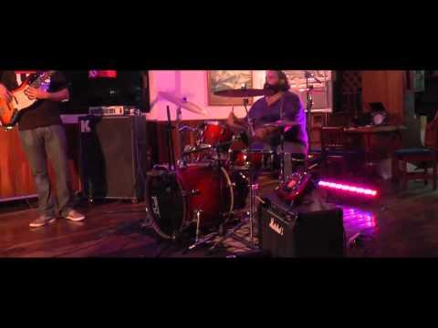 Poyo – El Vaquero (en vivo)