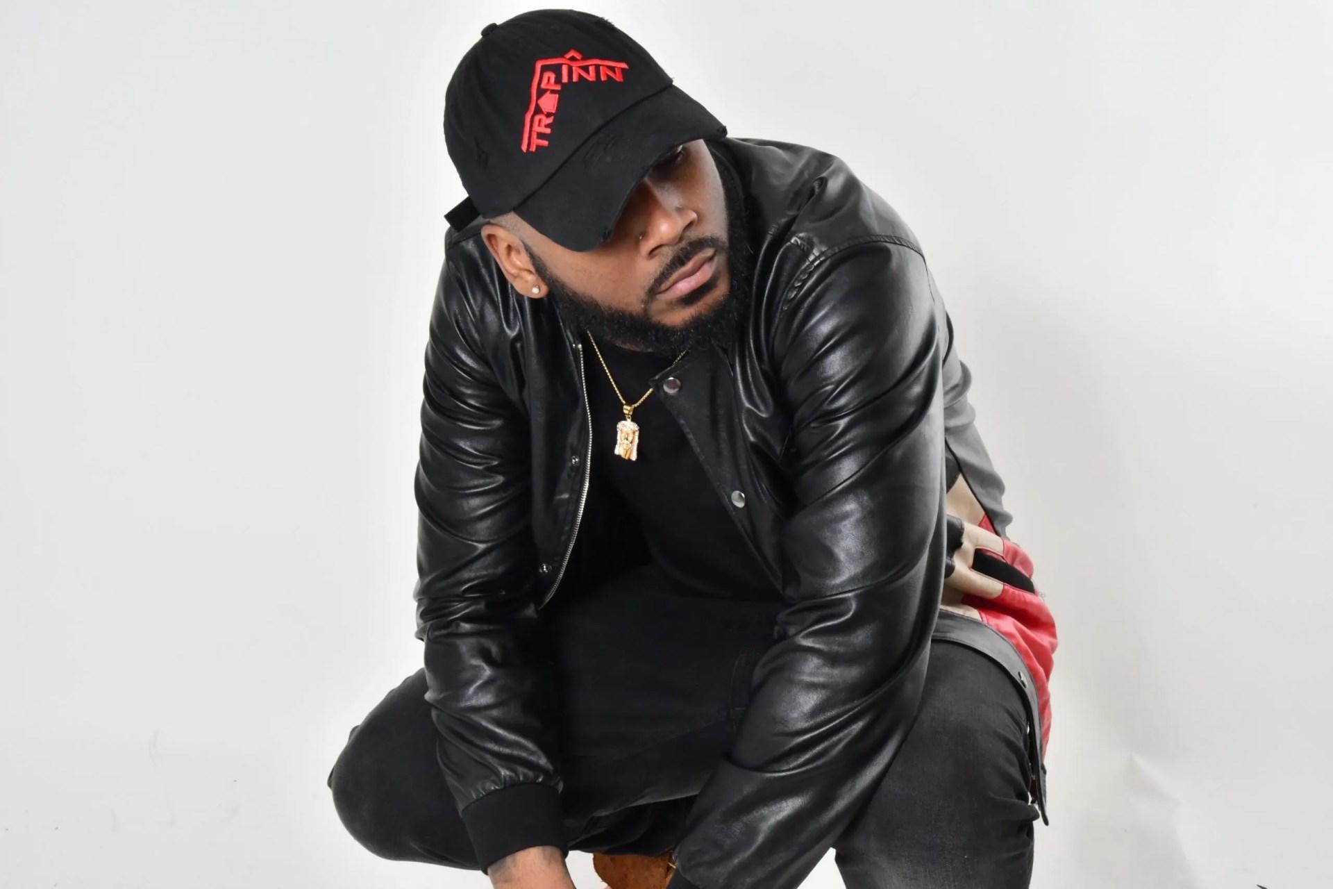 DJ Sheesh squat
