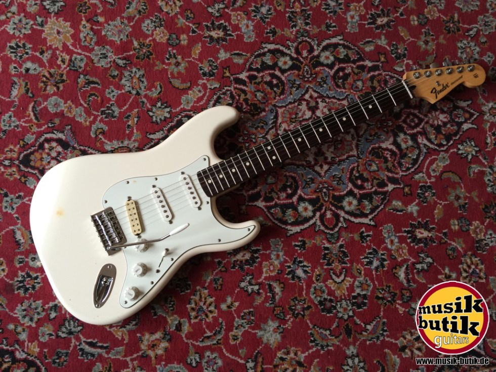 Fender Mexico Standard Stratocaster RW OLW 2013