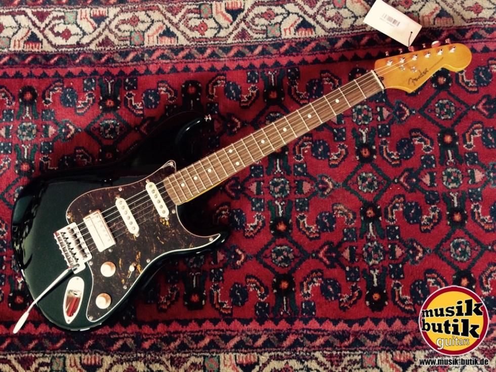Fender SS Black.jpg