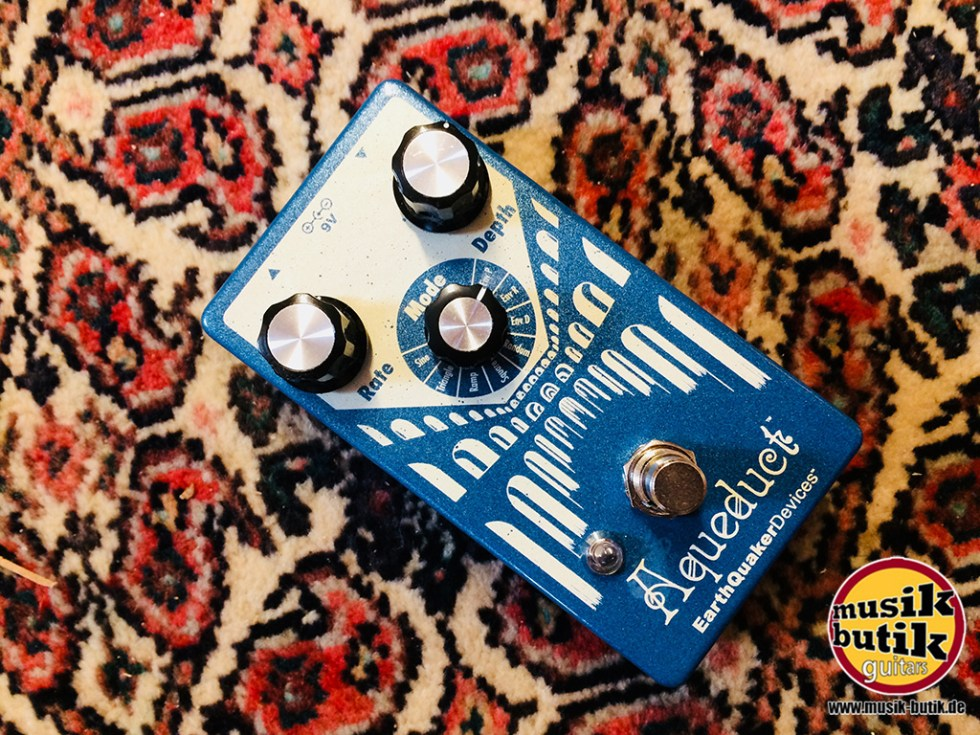 EarthQuaker Devices Aqueduct Vibrato.jpg