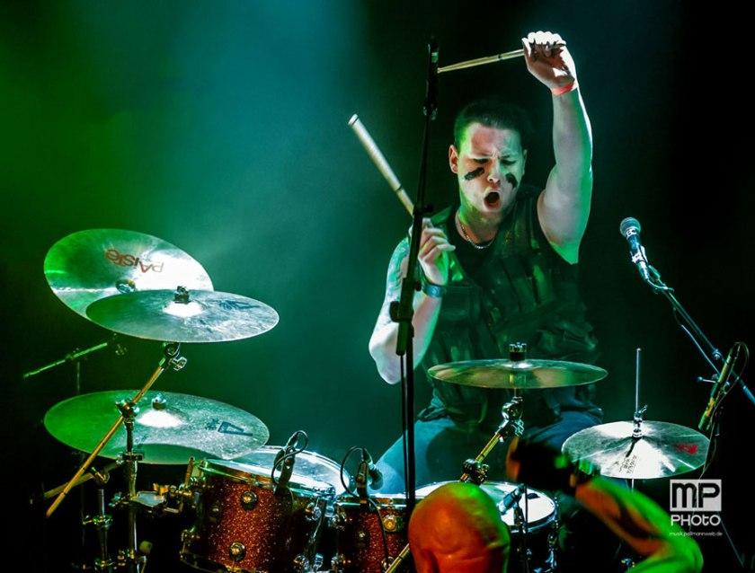 Black-Radar-drummer-1
