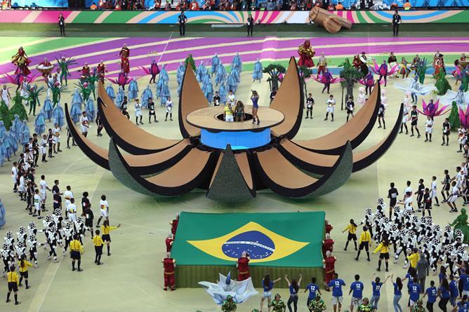 Jennifer-Lopez-Pitbull-gala-inauguracion-Mundial