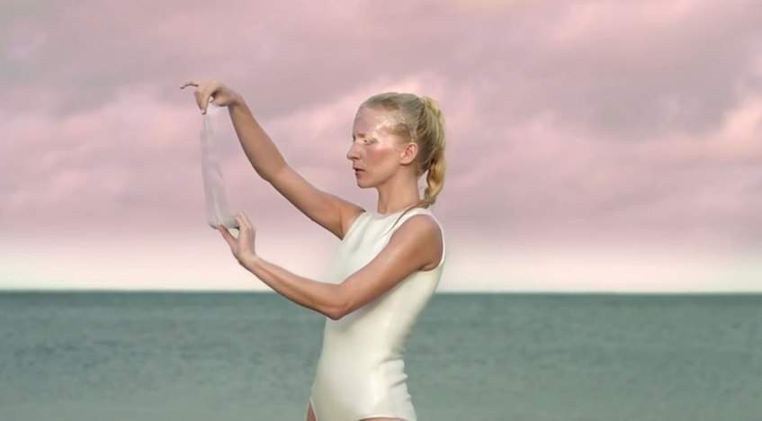 iamamiwhoami-tap-your-glass