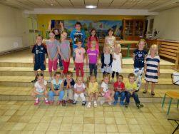 """Juni 2015: """"REISE DURCH AFRIKA"""" Musikzwerge, MFE, Kinderchor und Instrumentalschüler aus Göttlesbrunn"""