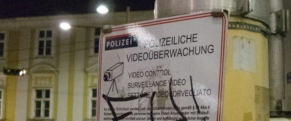 Bonner Piraten als Bürgerpolizisten. Foto: Hufner