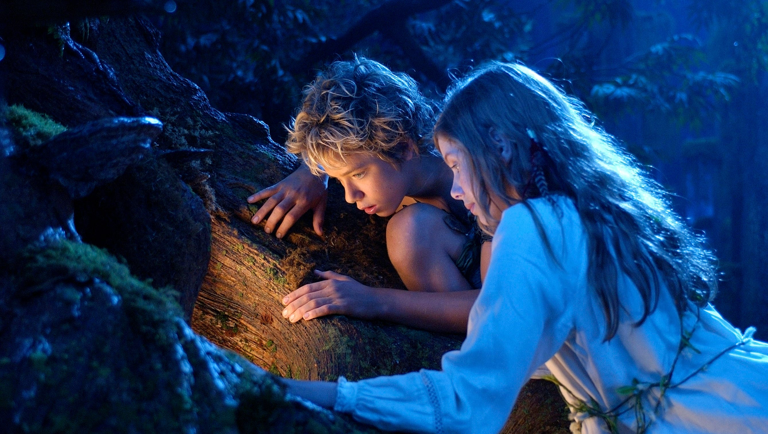 This image has an empty alt attribute; its file name is 635799434519527742-xxx-d-peter-wendy-peter-pan-mov-1801349.jpg