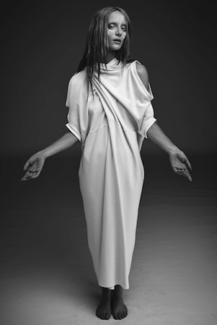 22-Alexandra-Groover-Black-Label-AGB_193-1st-Petal-Dress