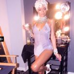 Rihanna 'Pour It Up' (Behind The Scenes 2)