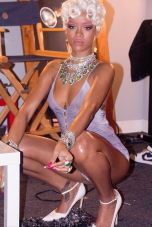 Rihanna 'Pour It Up' (Behind The Scenes 5)