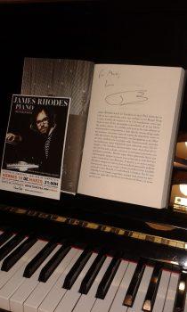 Crítica de Milosz Labinski del concierto de James Rhodes en Santiago de Compostela