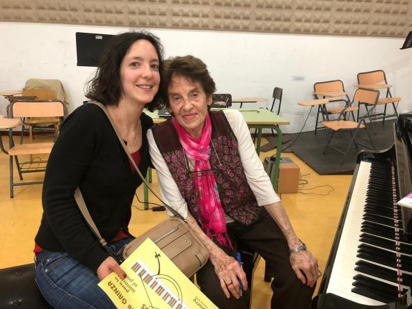 Violeta Hemsy de Gaínza y Musiqueando con María