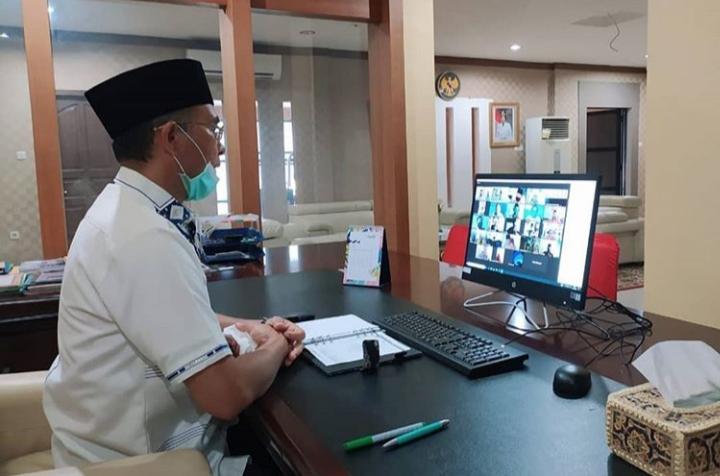 Agenda Penanganan Covid-19, Bupati Rapat Bersama Camat dan Kades se- Kecamatan Tuah Negeri