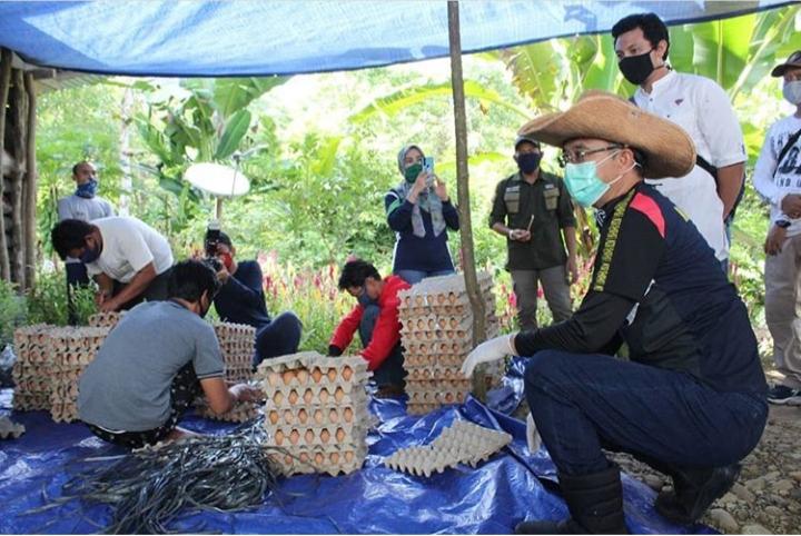 Komitmen Bupati Bantu Petani & UKM, Beli Paket Sembako Sempurna
