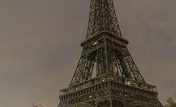Paris' Eiffel Tower Goes Dark in Solidarity for Syrians