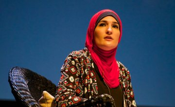 Linda Sarsour Is Fundraising for Ohio Hate Victim Rahma Warsame