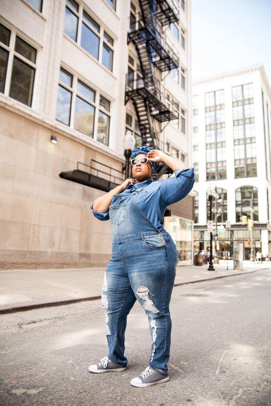 Leah-Vernon-Plus-Size-Model-Detroit-Blogger-Muslim-Girl-Body-positive