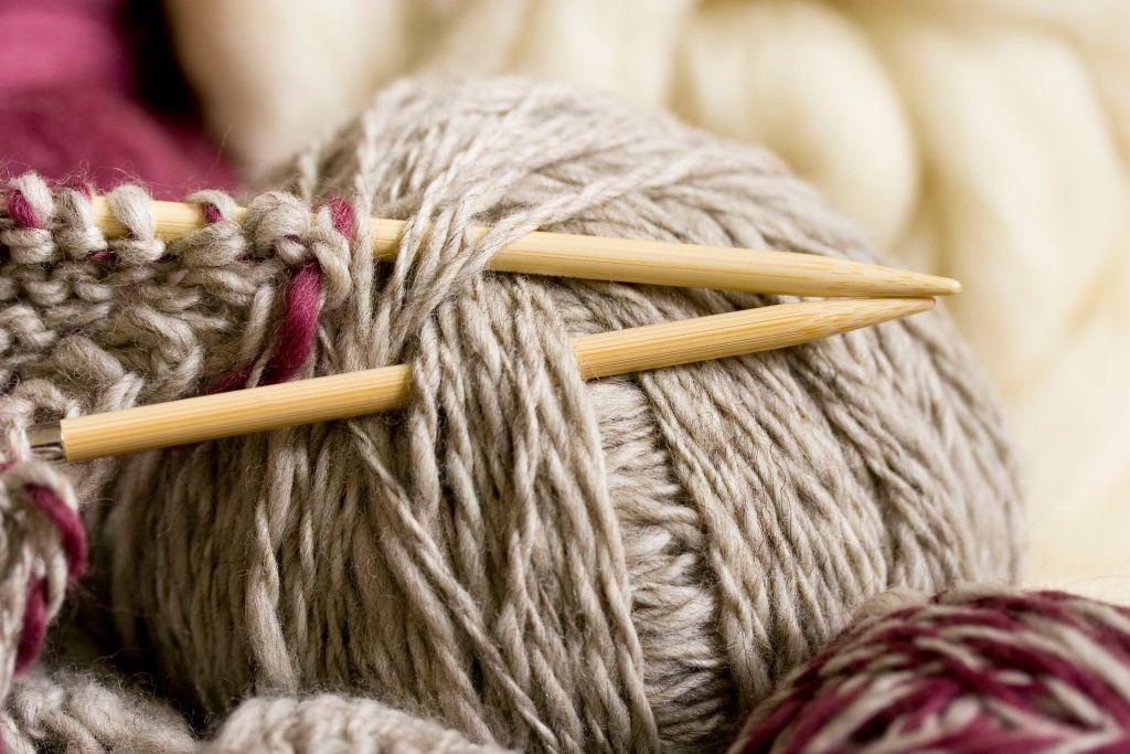 knitting-184920013-591481b55f9b586470d84857