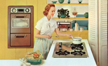 I'm a Feminist Who Secretly Loves Being a Homemaker