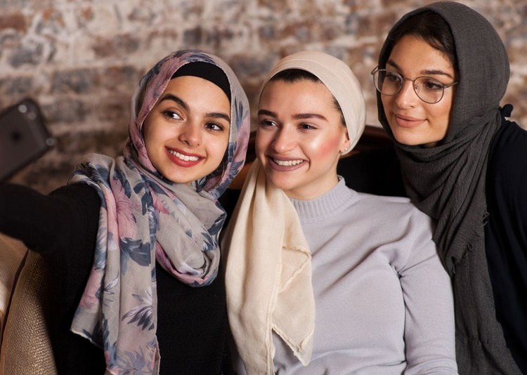 This Award Season Presents A Blaring Truth About Muslim Women's Representation