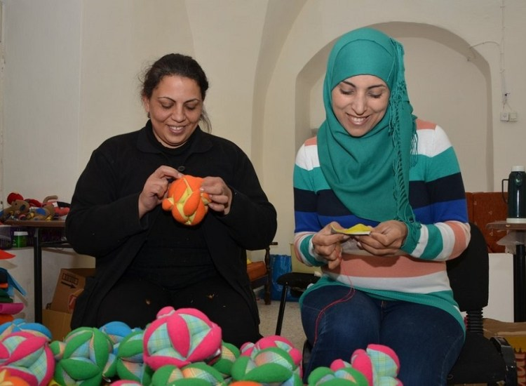 Re-Evaluating Charity: Help Palestinians Through Zeki Learning
