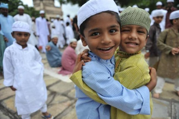 https://i2.wp.com/muslimvillage.com/wp-content/uploads/2012/08/Eid-kids-600x399.jpg
