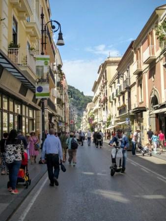 4. Główna ulica Corso Italia