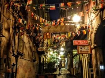 8. Nocne wędrówki po Neapolu