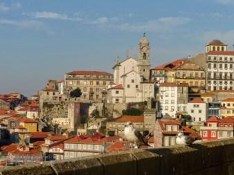 6. Widok na miasto z tarasu widokowego przy Katedrze Se do Porto