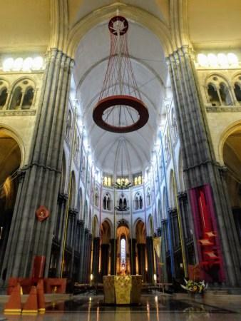 Wnętrze katedry.