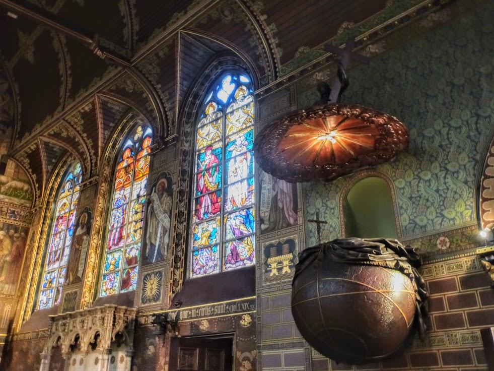 Wnętrze kaplicy św Krwi-2