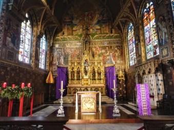 Wnętrze kaplicy św Krwi